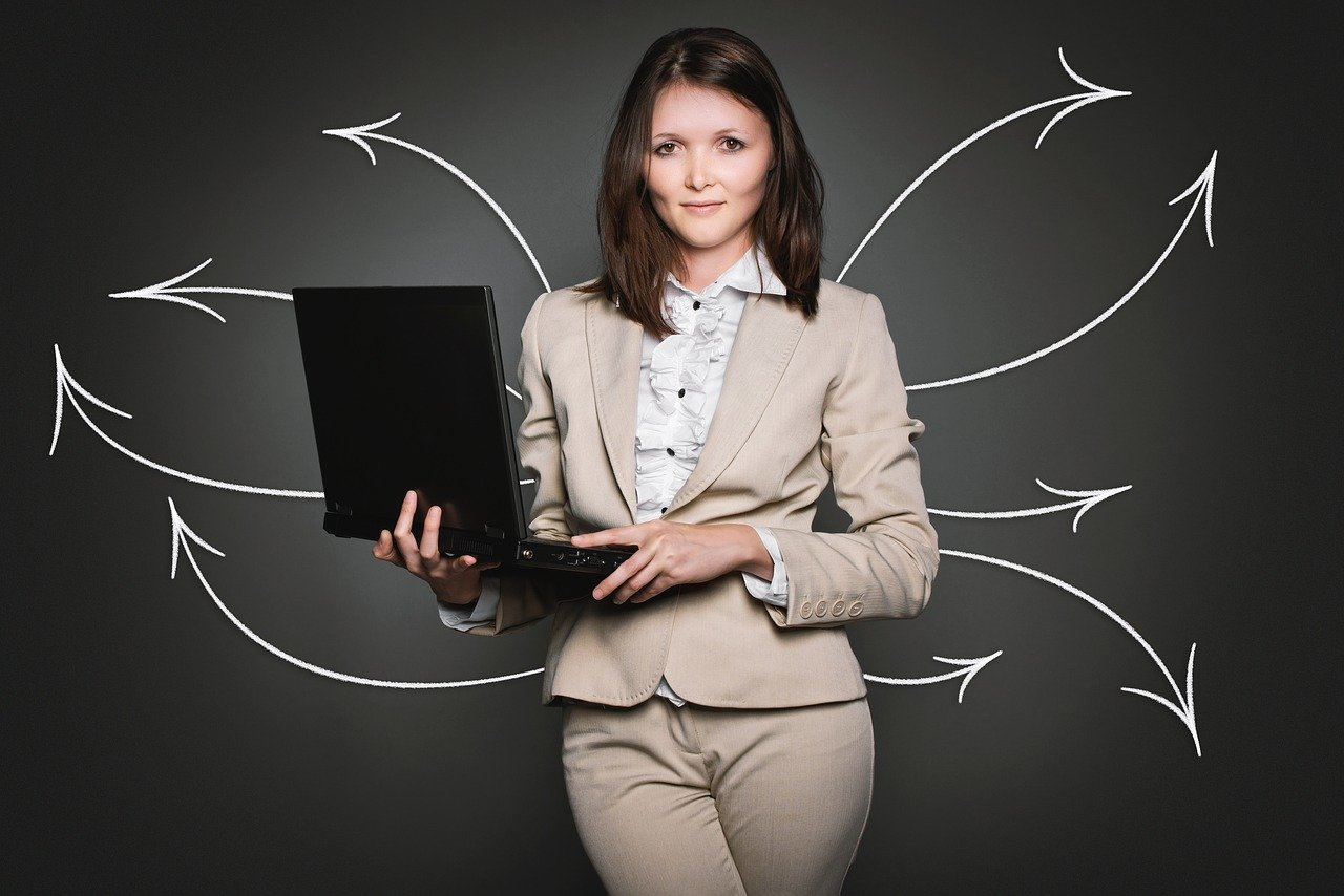 Female manager with laptop - Ardor SEO